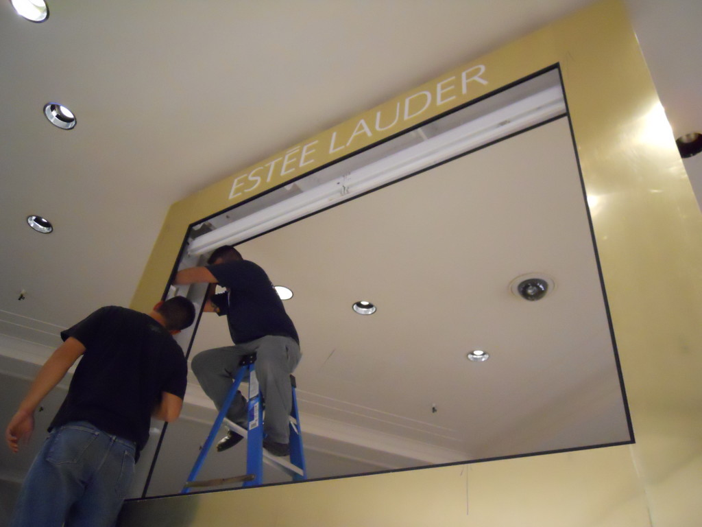 Exhibit Manufacturer for Estee Lauder